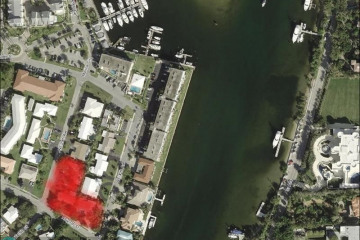 Home for Sale at 2718-2730 NE 29th Ave, Lighthouse Point FL 33064