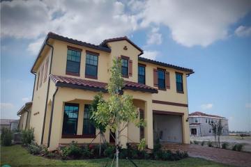 Home for Rent at 11760 E Bayview Cir, Parkland FL 33076