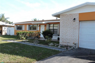 Home for Sale at 4864 NW 5th Ct, Plantation FL 33317