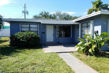 Home for Sale at 2641 NE 18th Terrace, Lighthouse Point FL 33064
