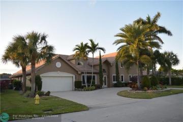 Home for Rent at 4151 NE 23rd Av, Lighthouse Point FL 33064