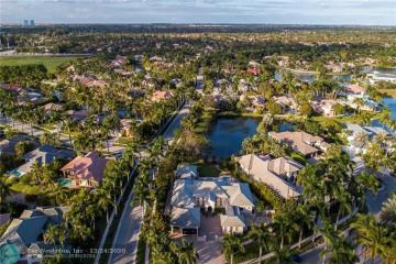 Home for Sale at 10867 Whitehawk St, Plantation FL 33324
