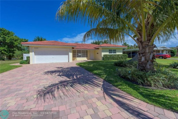 Home for Rent at 3860 NE 22nd Way, Lighthouse Point FL 33064
