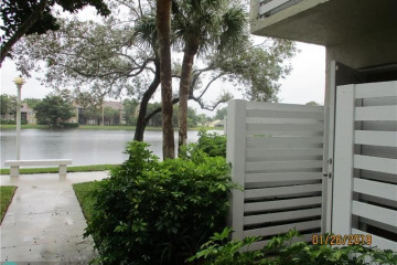 Home for Sale at 566 NW 97th Ave, Plantation FL 33324