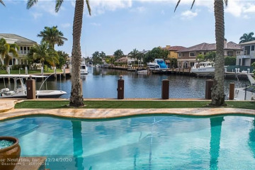 Home for Sale at 3100 NE 23rd Ave, Lighthouse Point FL 33064