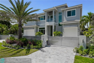 Home for Sale at 3129 NE 31st Ave, Lighthouse Point FL 33064