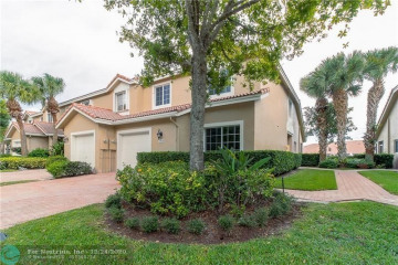 Home for Sale at 7360 NW 62nd Ter, Parkland FL 33067