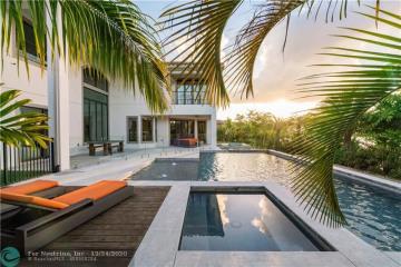 Home for Sale at 9815 Bay Leaf Ct, Parkland FL 33076