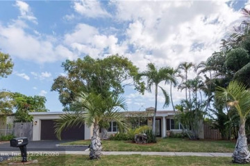 Home for Sale at 2432 NE 14th Ave, Pompano Beach FL 33064