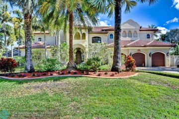 Home for Sale at 2624 NE 22nd Ave, Lighthouse Point FL 33064