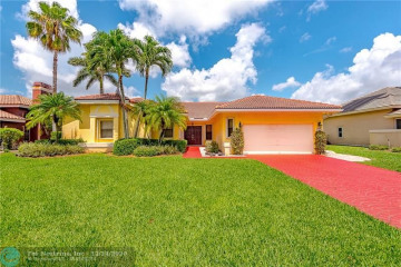 Home for Sale at 5921 NW 60th Ave, Parkland FL 33067