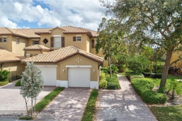 Home for Sale at 8130 NW 128th Ln, Parkland FL 33076
