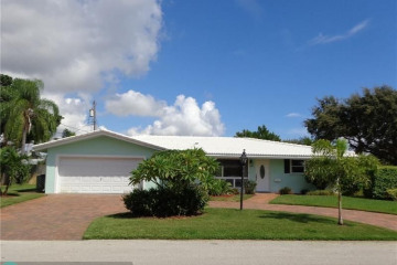 Home for Sale at 2261 NE 37th St, Lighthouse Point FL 33064