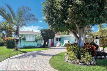 Home for Sale at 2770 NE 30th St, Lighthouse Point FL 33064