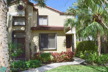 Home for Sale at 10511 NW 10th Ct #B, Plantation FL 33322