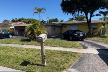 Home for Sale at 1148 SW 1st Ter, Pompano Beach FL 33060