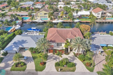 Home for Sale at 2817 NE 32nd St, Lighthouse Point FL 33064