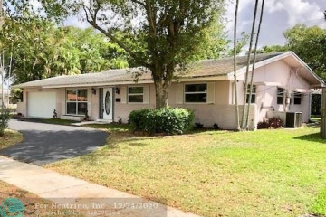 Home for Sale at 1160 NW 70th Ter, Plantation FL 33313