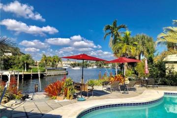 Home for Sale at 2375 SE 8th St, Pompano Beach FL 33062