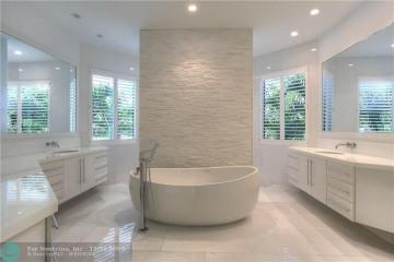 Home for Sale at 10161 Blue Palm St, Plantation FL 33324