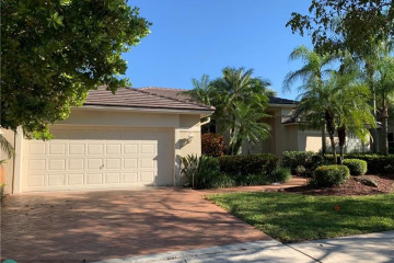 Home for Rent at 160 Montclaire Dr, Weston FL 33326
