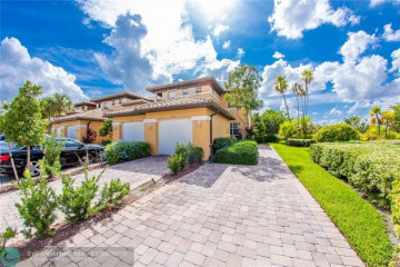 Home for Sale at 7911 NW 128 Ln, Parkland FL 33076