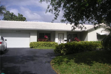Home for Sale at 2231 NE 41st St, Lighthouse Point FL 33064