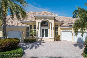 Home for Sale at 4311 NE 24th Ave, Lighthouse Point FL 33064