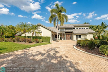 Home for Sale at 6138 NW 80th Ter, Parkland FL 33067