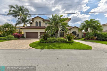 Home for Sale at 3810 NE 25th Ave, Lighthouse Point FL 33064