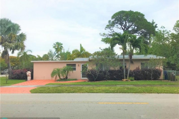 Home for Sale at 1640 NE 9th Ave, Fort Lauderdale FL 33305