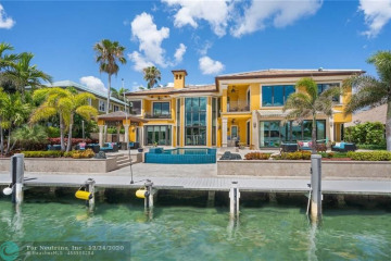 Home for Sale at 2716 NE 30th Avenue, Lighthouse Point FL 33064