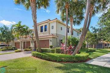 Home for Sale at 10807 NW 73rd Ct, Parkland FL 33076