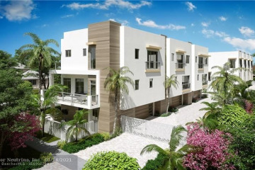 Home for Sale at 12 SE 10th Ave #2, Fort Lauderdale FL 33301