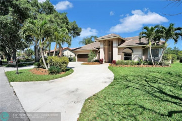 Home for Sale at 5920 NW 60th Ave, Parkland FL 33067