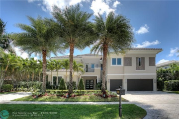 Home for Sale at 560 Coconut Palm Ter, Plantation FL 33324