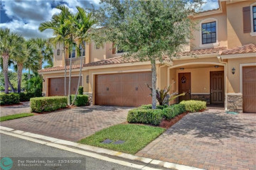 Home for Sale at 10893 NW 74th Dr, Parkland FL 33076