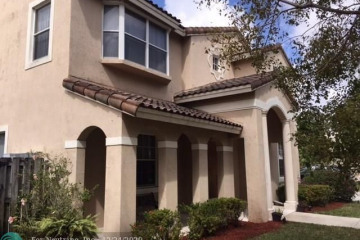 Home for Rent at 1451 SW 52nd Way, Plantation FL 33317