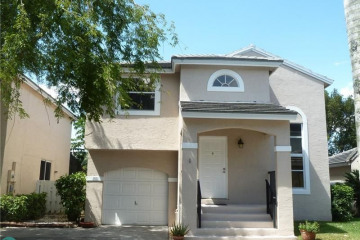 Home for Sale at 9851 NW 9 Ct, Plantation FL 33324