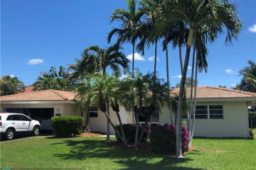 Home for Sale at 3520 NE 26th Ave, Lighthouse Point FL 33064