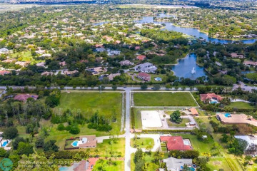 Home for Sale at 6442 NW 77th Ter, Parkland FL 33067