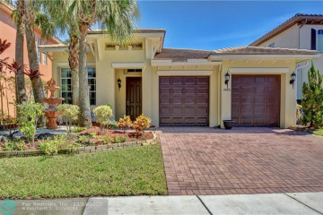Home for Sale at 10620 NW 83rd Ct, Parkland FL 33076