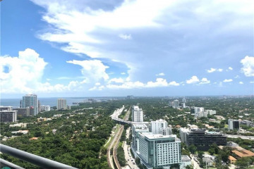 Home for Sale at 60 SW 13 St #3021, Miami FL 33130