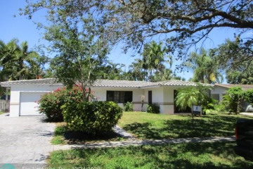 Home for Sale at 2511 NE 49th St, Lighthouse Point FL 33064