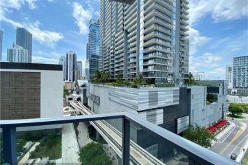 Home for Sale at 31 SE 6th St #1401, Miami FL 33131