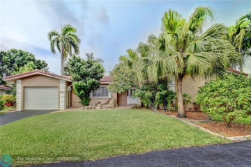 Home for Sale at 7161 E Tropical Way, Plantation FL 33317