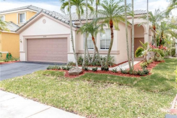 Home for Sale at 1894 Silverbell Ter, Weston FL 33327