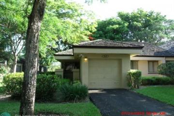 Home for Sale at 9247 Chelsea Dr, Plantation FL 33324