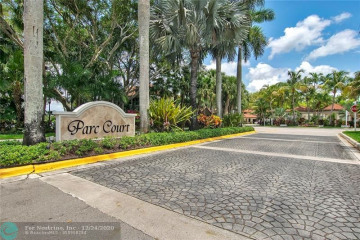 Home for Sale at 9232 NW 9th Ct, Plantation FL 33324