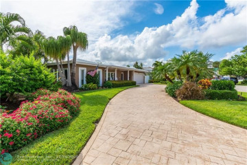 Home for Sale at 4061 NE 31st Ave, Lighthouse Point FL 33064